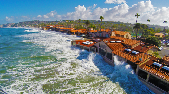 High Tide in La Jolla, California